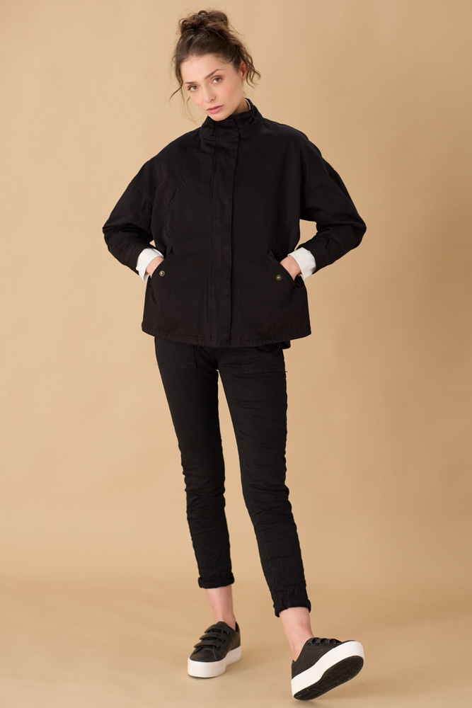 GAR/C8618 - U (chemise) GOA/ARMY/A21  (veste) EPO/8181 (pantalon)
